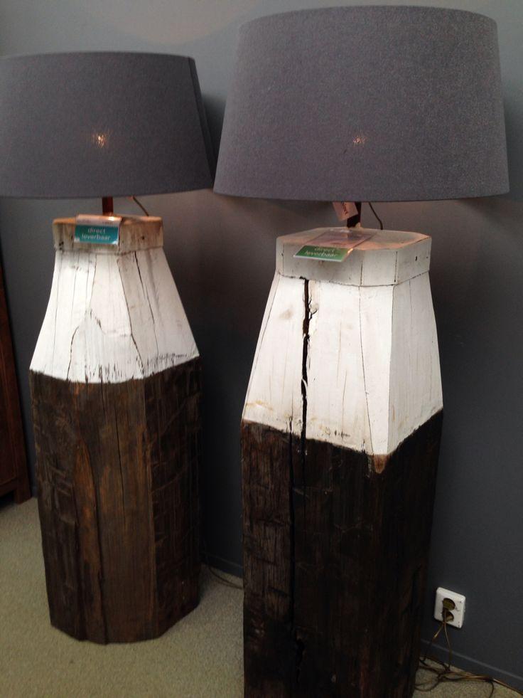 Lamp op meerpaal