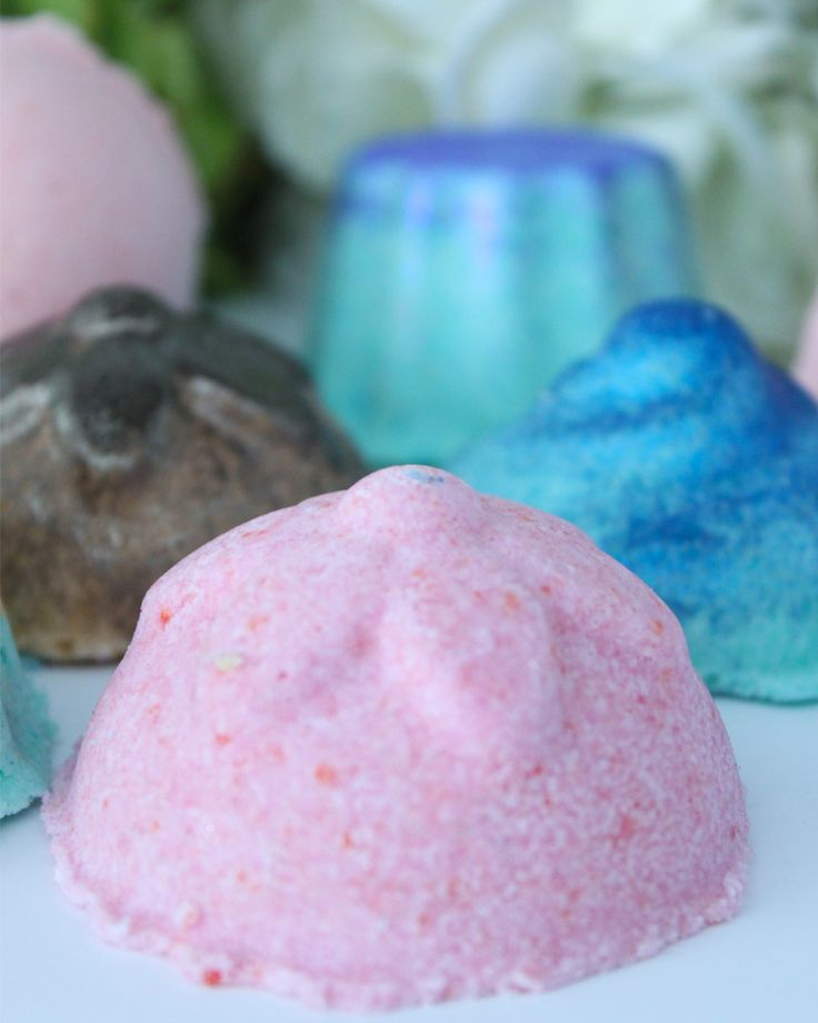 DIY LUSH Bath Bombs | Super easy and you probably have all the ingredients in your cupboard.