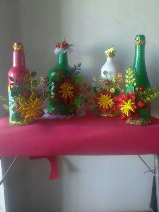 Botellas decoradas con flores de foami navidad pinterest for Botellas de vidrio decoradas para navidad