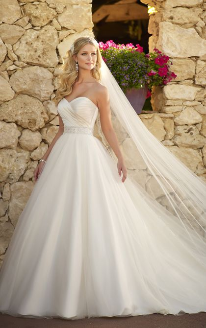 Love the skirt and veil - Absolutely gorgeous princess wedding dress style by Stella York - Style 5647