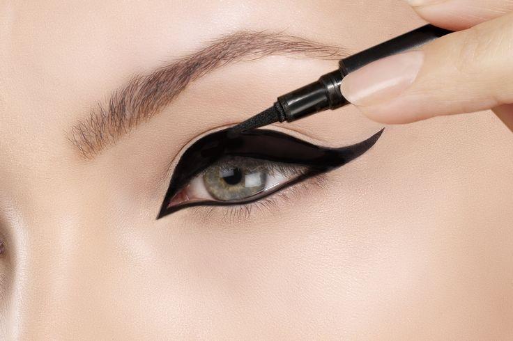 A supermaquiadora Pat McGrath tem um truque infalível para o olho gatinho perfeito
