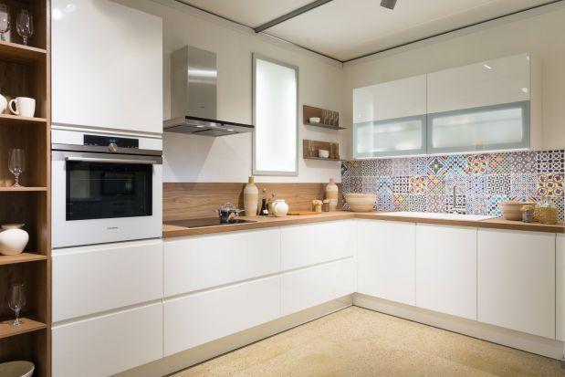 Biale Kuchnie To Rozwiazanie Na Lata Kuchnia W Bialym Kolorze Jest Nie Tylko Ponadczasowa Ale Rown Kitchen Design Decor Beautiful Dining Rooms Kitchen Design