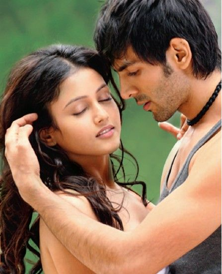 #Romantic scene #Movie #Bollywood