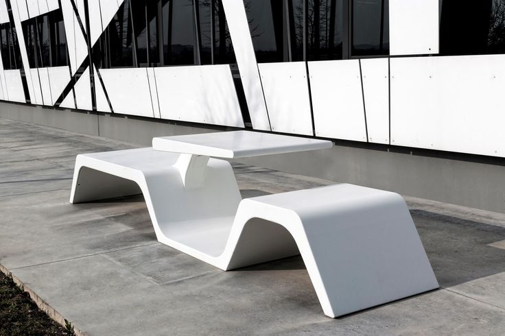 Wi-Bench in DuPont ™ #Corian® to share urban spaces exploiting wireless technology and solar energy. Designed by Architect Tommaso Tavani, produced by #Modula Srl