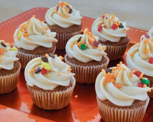 20 best my favorite cupcakes images on pinterest cake blog cupcake recipes and cake decorating - Creme decoration cupcake ...