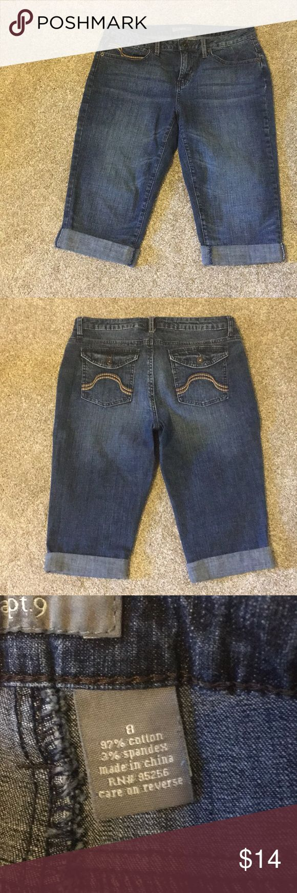Womens capris Womens Apt 9 denim capris. These are 97% cotton and 3% spandex. Excellent condition. No holes, no snags,  no pets and smoke free home. Apt. 9 Jeans Ankle & Cropped