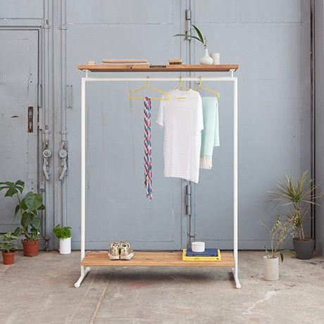 die besten 25 kleiderst nder ideen auf pinterest stehende kleiderablage graue garderoben und. Black Bedroom Furniture Sets. Home Design Ideas