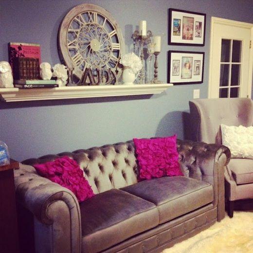 vintage wohnzimmer möbel violette akzente