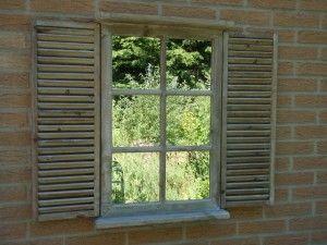 Houten tuinspiegel met Louvre deuren 70,5x87,5x7 cm naturel en whitewash 45,-