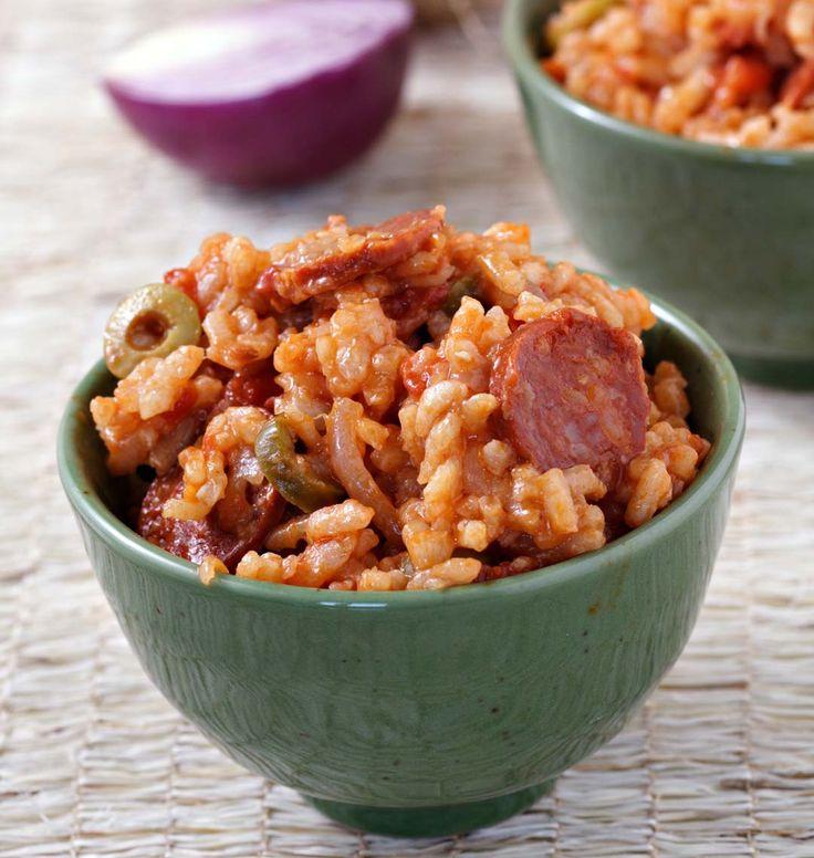 Pour tous les amateurs de risotto, voici une nouvelle recette que je souhaite vous proposer aujourd'hui, cette fois-ci avec du chorizo et de la tomate. Un plat aux saveurs du Sud qui réchauffera l'ambiance.