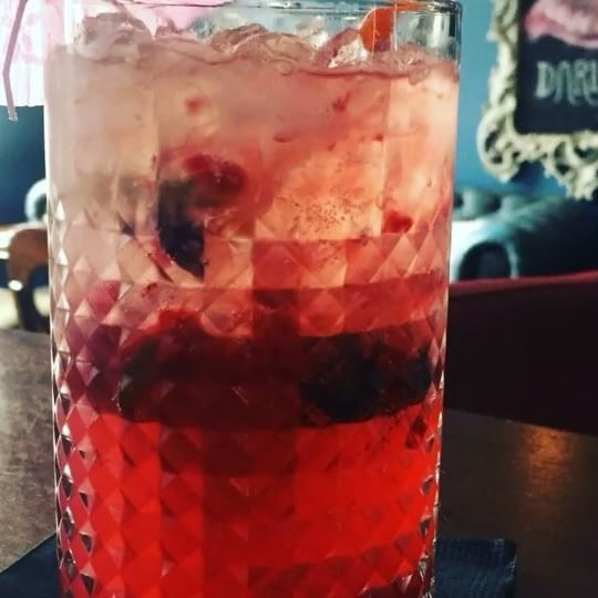 Yaaay the sun is out and it's 'Cocktail O' Clock' 🍹#eatateno #eno #cocktail #satc #summertime #summerishere #heatwave #cooldown #dundalk #louthchat