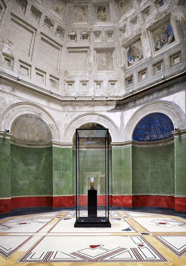 Neues Museum Berlin, The Nefertity room, photo by Candida Höfer. Such a beautiful restoration work by the Chipperfield office.
