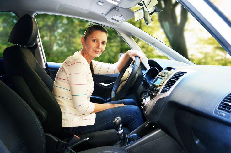 Viera Anderková - Viera Anderková Je nie len skvelou šoférkou, ale predovšetkým vášnivou turistkou. V Autoškole VaV je najmladšou inštruktorkou.