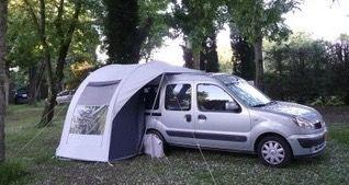 Volledige kampeeruitrusting (tent en inbouw) aangeboden.