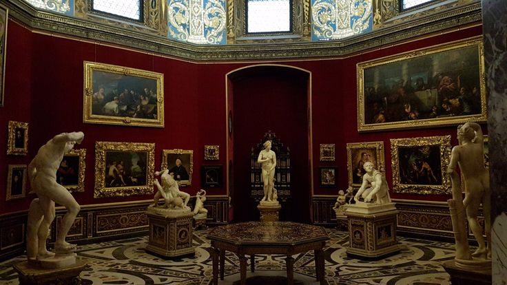 Uffizierna, Florens: Läs recensioner av resenärer som du och se professionella bilder på Uffizierna i Florens, Italien på TripAdvisor.