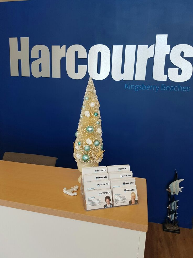 Delightful shell christmas tree for the beach office
