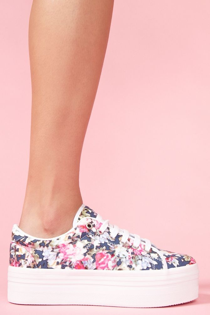 Zomg Platform Sneaker - Floral.....I know these are a bit different then what I have pinned so far but these are hella cute