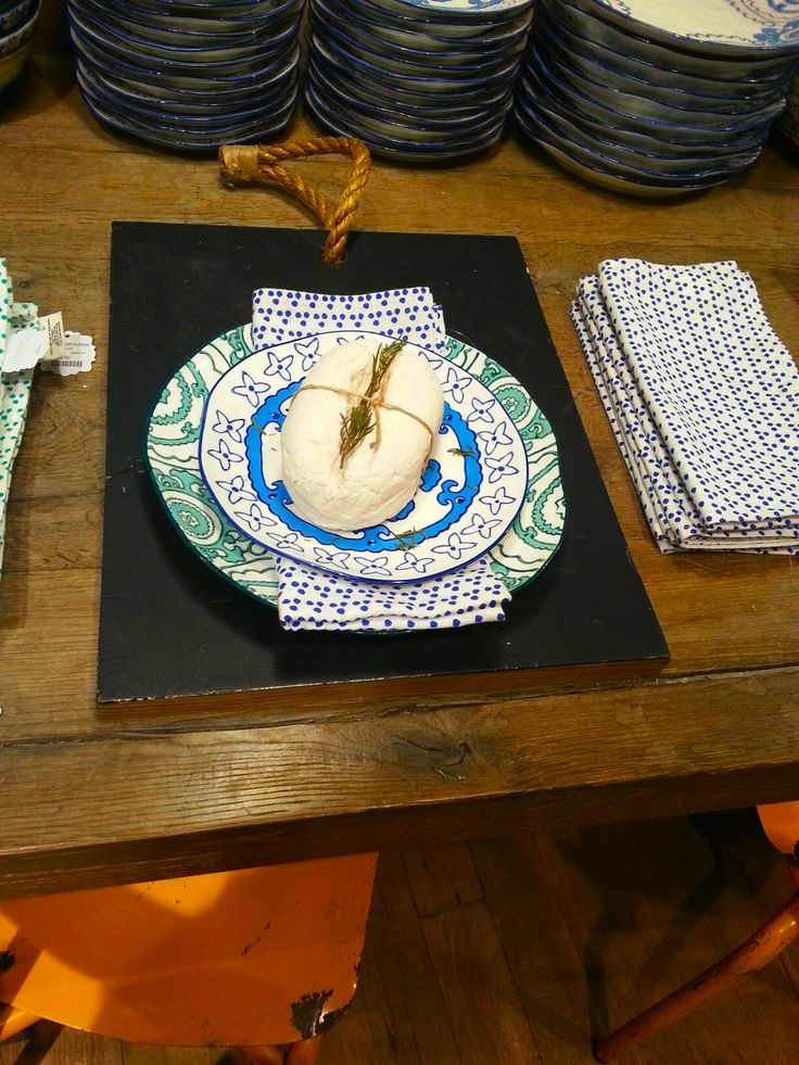 Brighten up your home for #MothersDay lunch with these patterned plates from @Anthropologie Europe on #RegentStreet - from £16.00