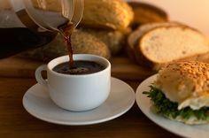 Lägg till dessa 3 ingredienser i kaffet och din ämnesomsättning kommer (förhoppningsvis) att boostas.
