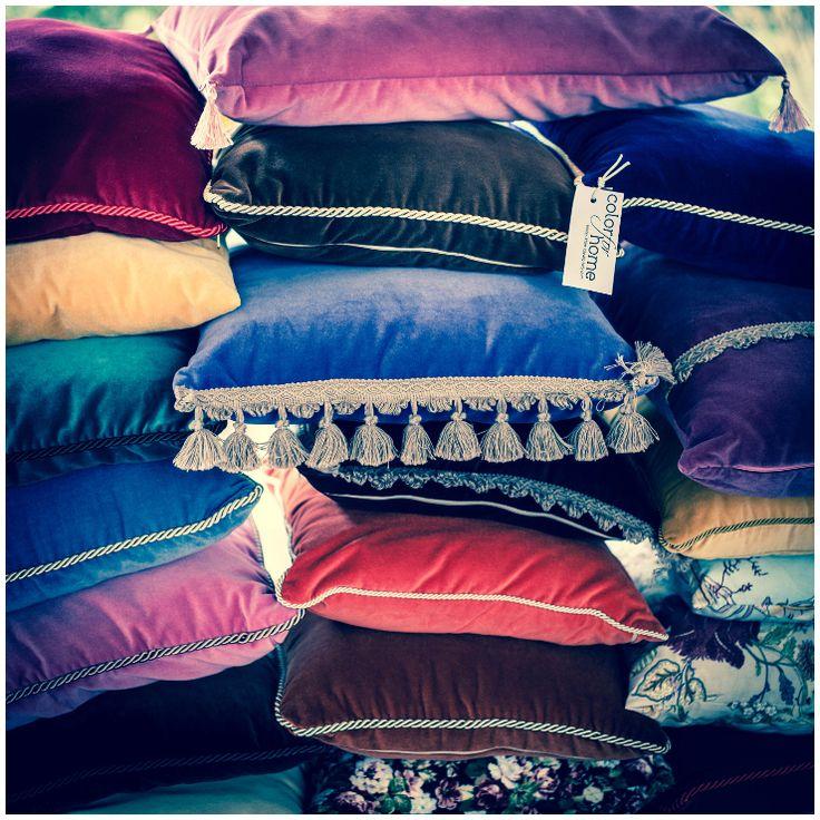 a lot of pillows  #pillows #almohadas