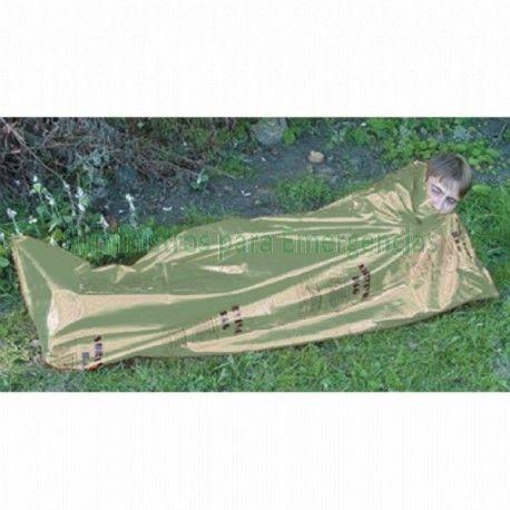 Saco de dormir de emergencia verde De pequeñas dimensiones plegado, pero se convierte en un saco de dormir de polietileno de gran tamaño. Compacto y ligero lo hace ideal como protección contra los elementos o como capa impermeable para el saco de dormir. Peso: 240g