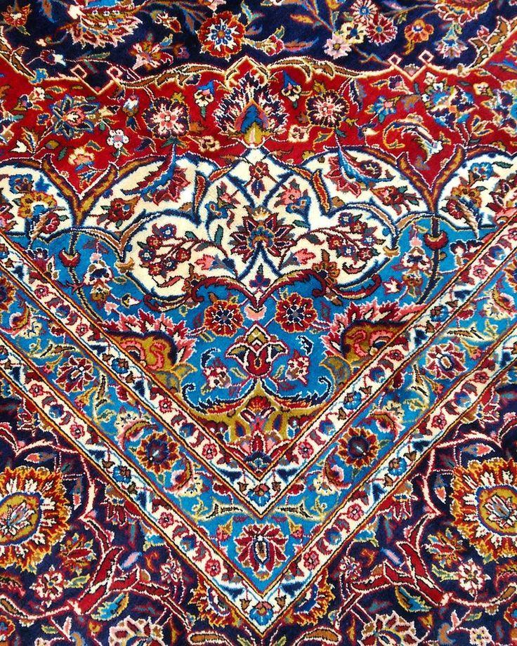 """""""A corner of a large Kork Wool Kashan  #kashan #wool #persianrug #Persian #rug #rugs #carpet #interiordecor #interiors #decor #decorate #designer…"""""""