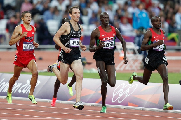 New Zealand's Nick Willis cruising home in his Olympic Games 1500m semi-final at Olympic Stadium. Photo / Mark Mitchell.