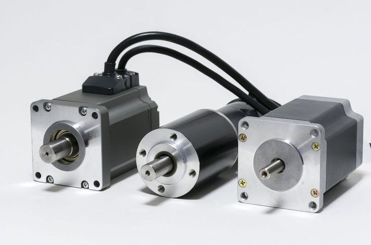 Find out the differences between AC Motors and DC Motors with this helpful guide to choosing the right motor for your golf cart.