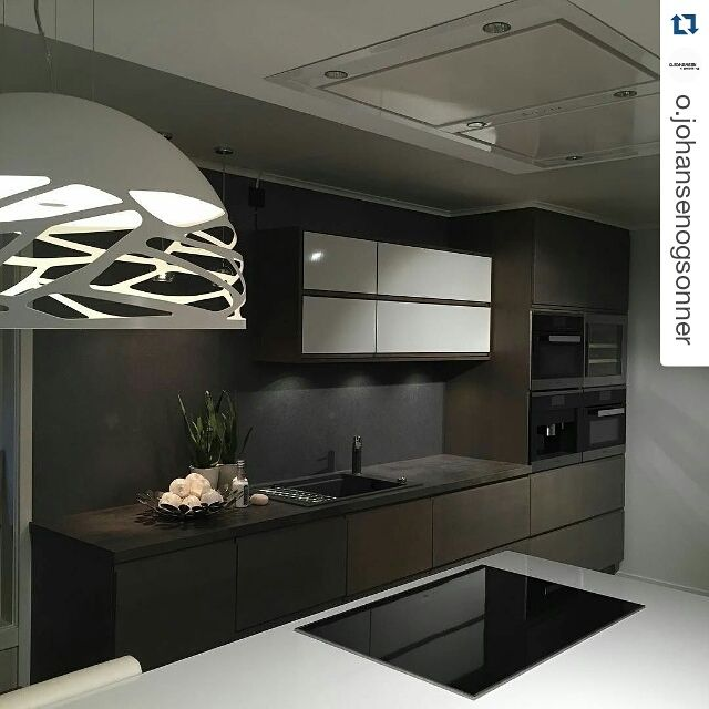 Repost by @o.johansenogsonner #kelly #norway #kitchen #interiordecor #interior #decoration #kitchendecoration #lighting