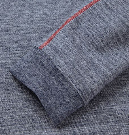 contrast flatlock stitch