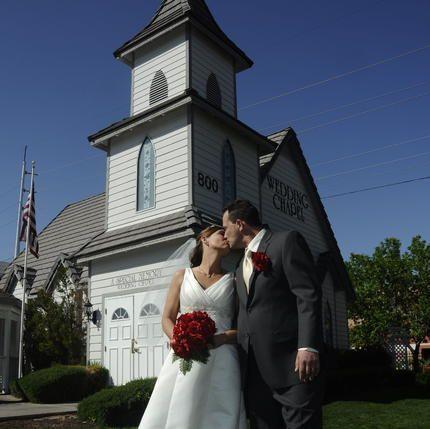 Fotos de Boda en Las Vegas en la capilla Special Memory Wedding Chapel. Vea las fotos de Boda en Las Vegas en la capilla Special Memory Wedding Chapel y Las-Vegas que le ofrece Viator.