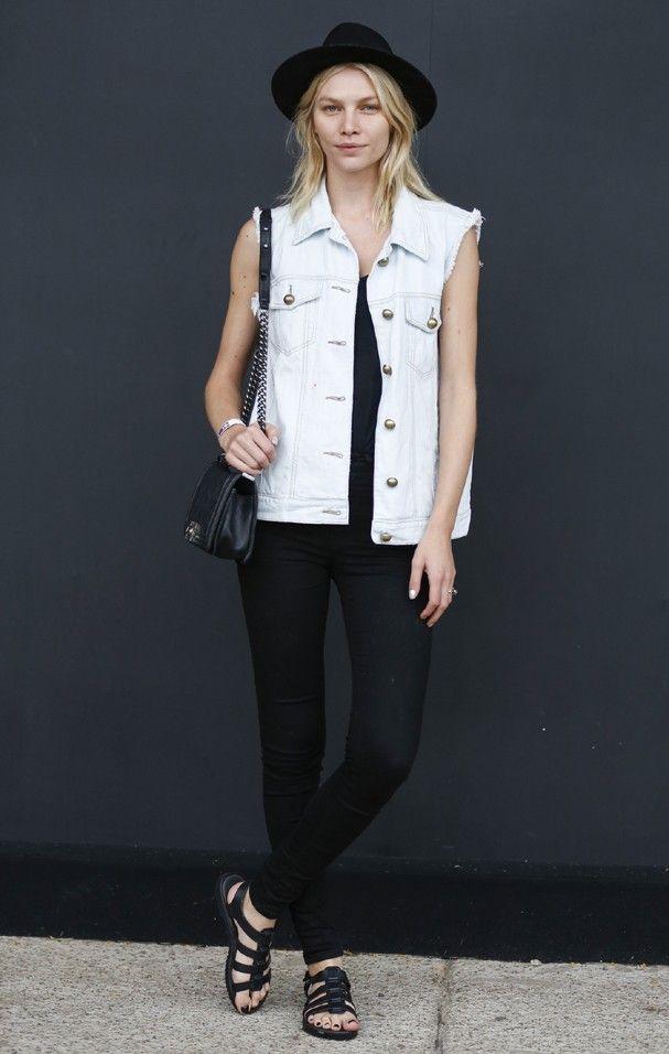 Colete jeans: como usar a peça 80's - tendência - de um jeito cool | Looks | Fashion, Vest, Denim