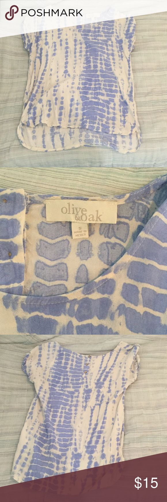 O+O blue/white top, Small Olive and Oak, light blue and white, short sleeve top, Small. Cute button detail on back Olive & Oak Tops Tees - Short Sleeve
