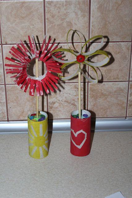 Kusiątka: Laurki - kwiaty jak malowanie :)