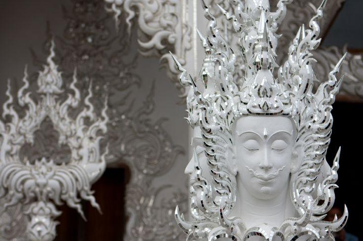Chiang Rai: Wat Rong Khun.