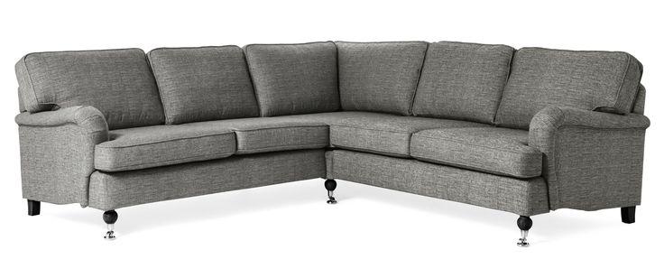 Hampton hörnsoffa är en nätt, klassisk howard soffa med rundade former. Den går att få i ett antal olika tyger och färger.