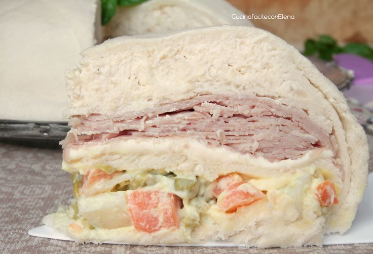 Lo Zuccotto Salato di pancarrè è un antipasto fresco e delizioso, facilissimo e veloce da preparare, realizzato da 3 golosi strati diversi, è davvero ottimo