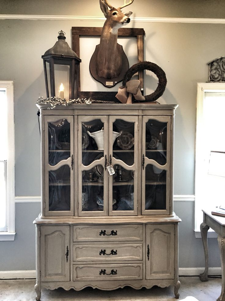 Best 25+ Painted china hutch ideas on Pinterest | Hutch makeover ...