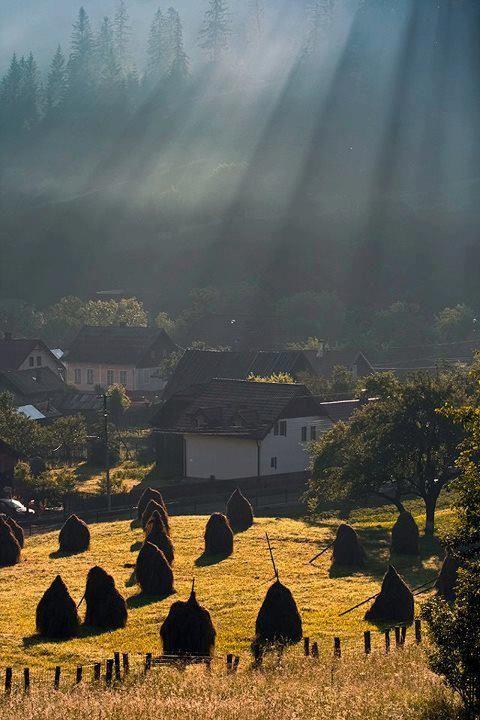 Transylvania village, Romania, www.romaniasfriends.com
