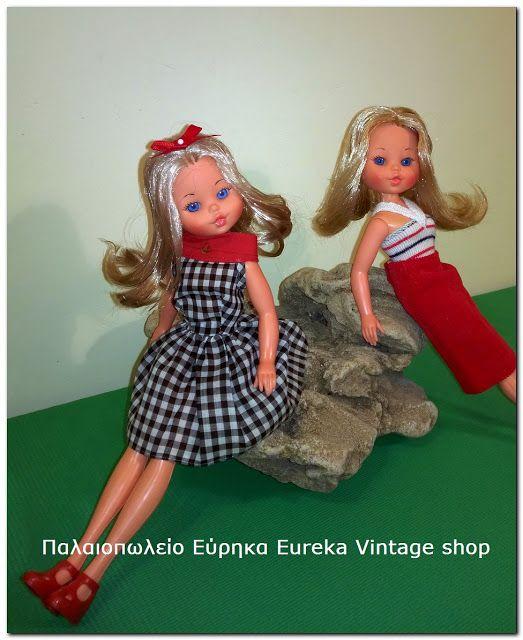 2 κούκλες της ιταλικής εταιρίας Furga με το όνομα Lisa Jean από την δεκαετία 1970's. Και οι 2 είναι πολύ όμορφα ντυμένες, και πολύ εντυπωσιακές. Με ωραία μπλε μάτια και ζωγραφιστές βλεφαρίδες. Είναι σε πολύ καλή κατάσταση. Έχουν ύψος 26εκ.