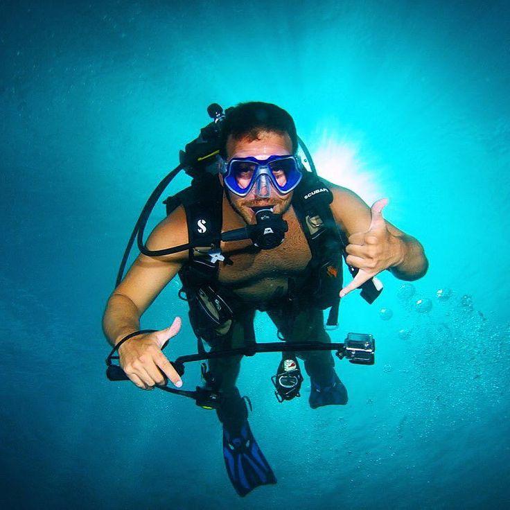 Mais uma foto dos mergulhos na grande barreira de corais. #Australia #greatbarrierreef @scubabive #scuba #spiritoffreedom by fffabreu http://ift.tt/1UokkV2