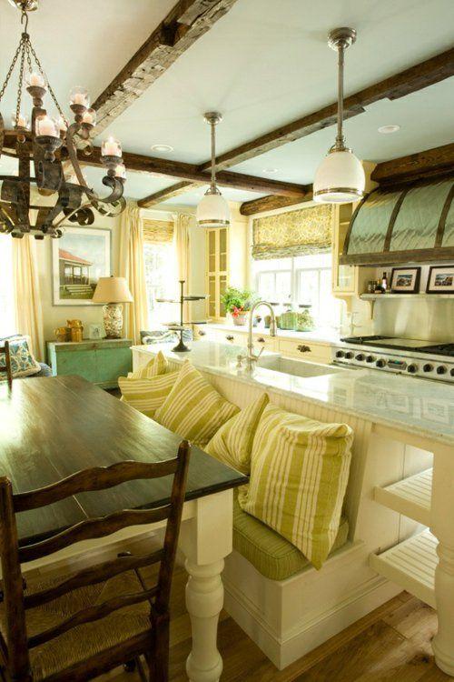 Küche im Landhausstil gestalten authentisch grün auflagen kissen