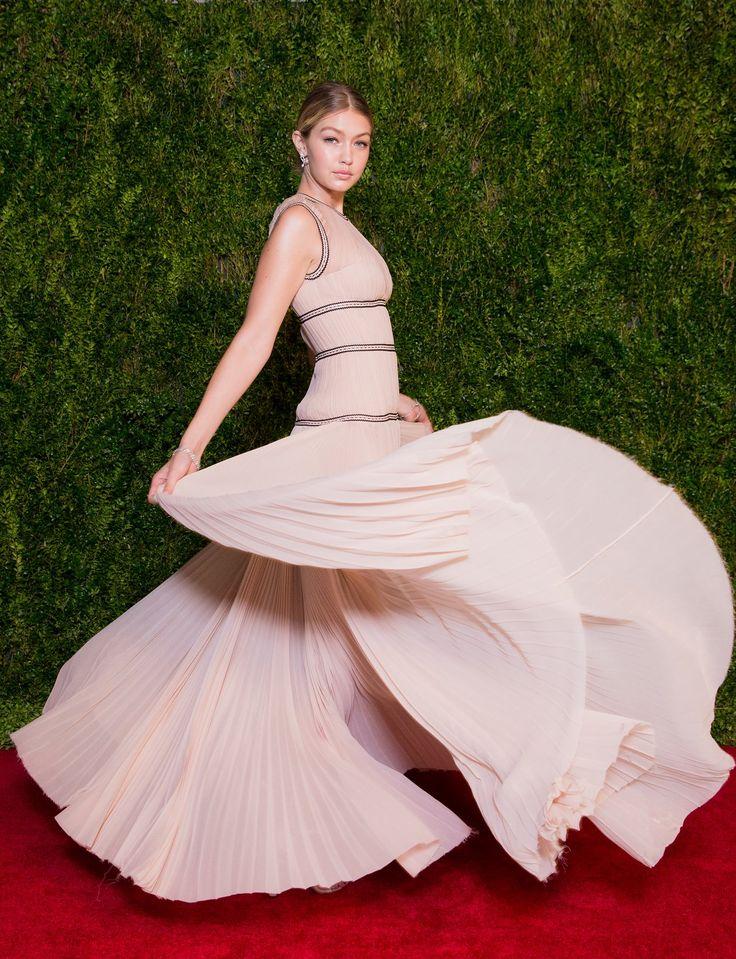Tony Awards 2015: Gigi Hadid on the Red Carpet - Vogue