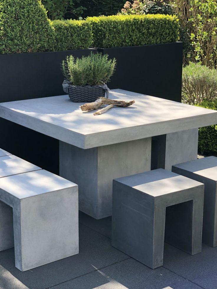 Beton Esstisch Quadratisch Fur Bis Zu 8 Personen Im Freien
