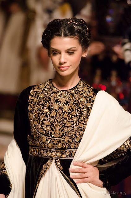 Индийская свадебная мода Rohit Bal