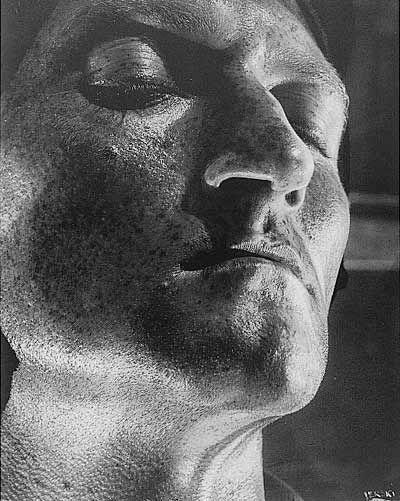 Helmar Lerski: Portraits from Metamorphosis through Light, 1928-1944. -repinned by LA photographer http://LinneaLenkus.com #portraiture