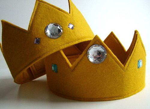 wool felt crown for Rose's lil' beanbag