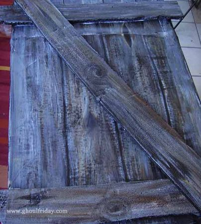 Painting Faux Wooden Boards on Cardboard | My Ghoul Friday...tut...really looks easy n awesome!