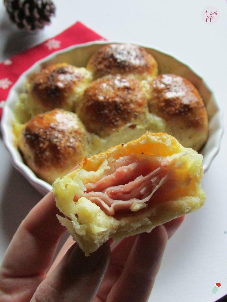 danubio salato con prosciutto cotto e mozzarella