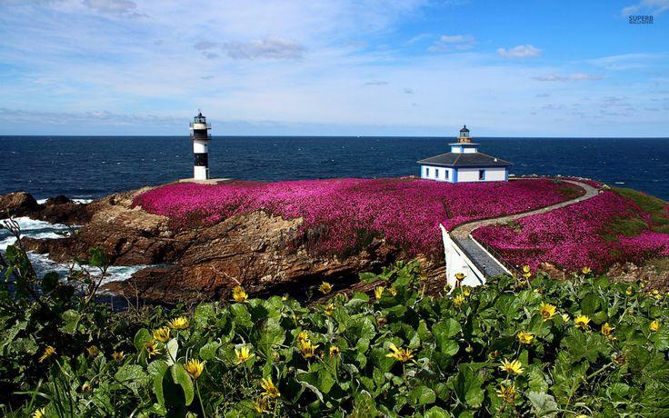 Lighthouse in Isla Pancha wallpaper
